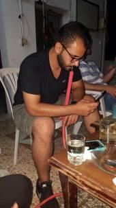 Smoking arghelli.
